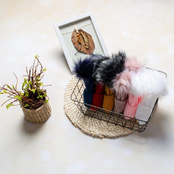 Căciulă tricotată cu două moațe